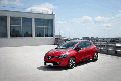 2012 Renault Clio 22