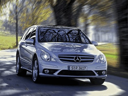2006 Mercedes-Benz R350 4MATIC with AMG Sports Package 1