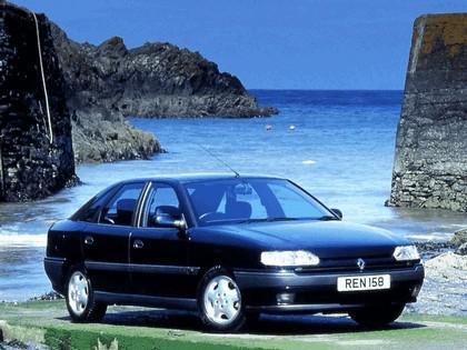 1992 Renault Safrane - UK version 1