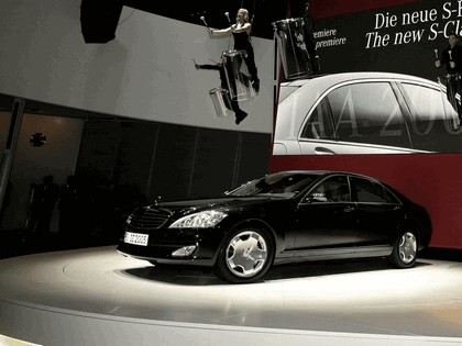 2006 Mercedes-Benz S600 Long Wheelbase with Panoramic Sunroof 7