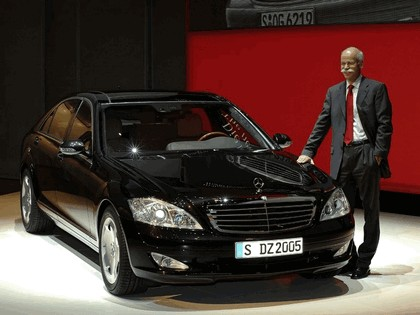 2006 Mercedes-Benz S600 Long Wheelbase with Panoramic Sunroof 10