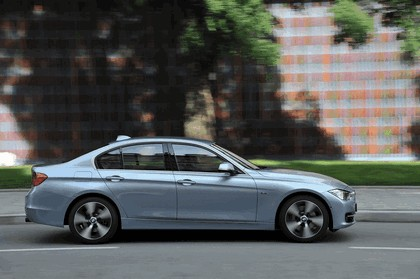 2012 BMW ActiveHybrid 3 10