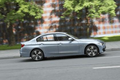 2012 BMW ActiveHybrid 3 11