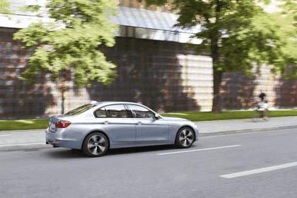 2012 BMW ActiveHybrid 3 12