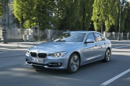 2012 BMW ActiveHybrid 3 14