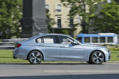 2012 BMW ActiveHybrid 3 24