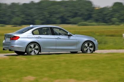 2012 BMW ActiveHybrid 3 27