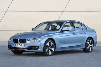 2012 BMW ActiveHybrid 3 38