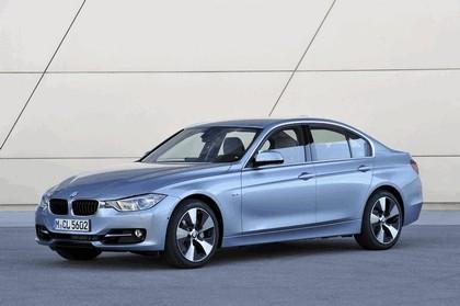2012 BMW ActiveHybrid 3 39