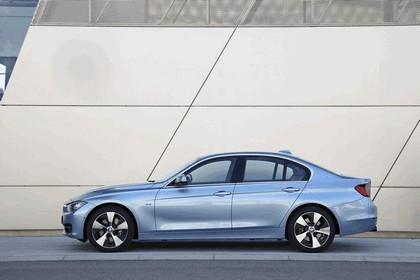 2012 BMW ActiveHybrid 3 42