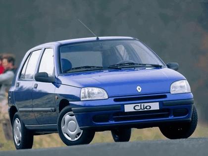 1996 Renault Clio 5-door 1