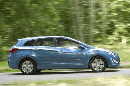 2012 Hyundai i30 wagon - UK version 12