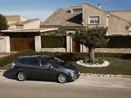 2012 Toyota Prius+ 11