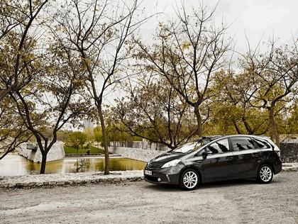 2012 Toyota Prius+ 14