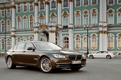 2013 BMW 750Li ( F01 ) 3