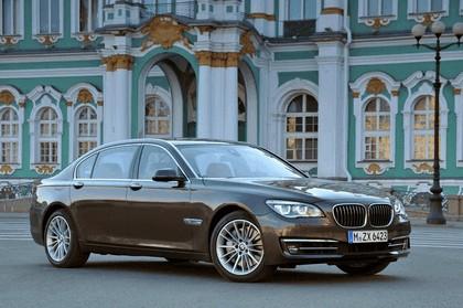 2013 BMW 750Li ( F01 ) 4