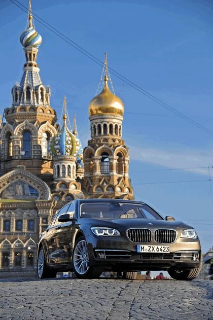 2013 BMW 750Li ( F01 ) 6