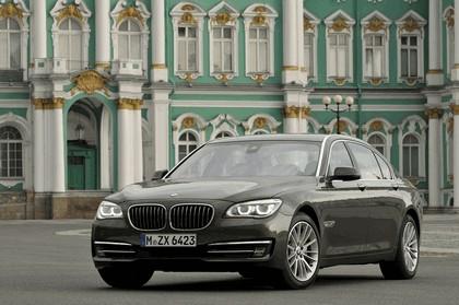 2013 BMW 750Li ( F01 ) 17