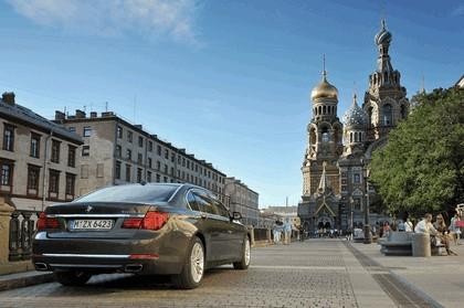 2013 BMW 750Li ( F01 ) 22