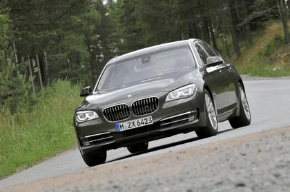 2013 BMW 750Li ( F01 ) 30