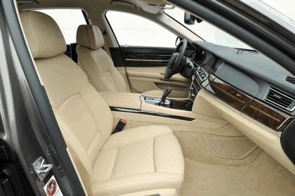 2013 BMW 750Li ( F01 ) 45