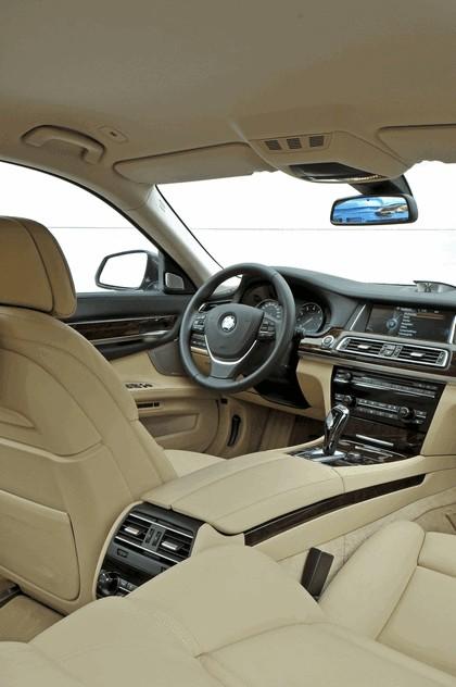 2013 BMW 750Li ( F01 ) 47