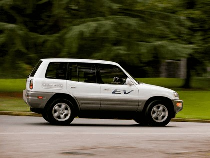 1997 Toyota RAV4 EV 5-door 4