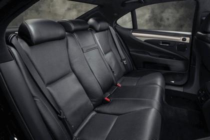 2013 Lexus LS 460 F-Sport 33
