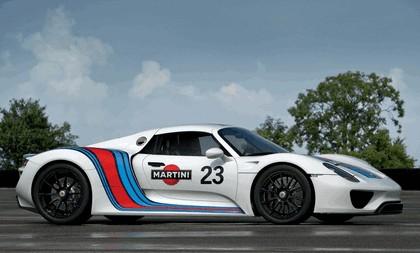 2012 Porsche 918 Spyder prototype in Martini Racing design 8