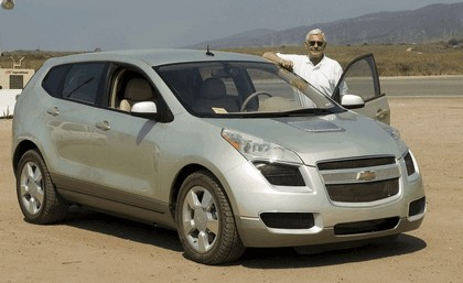 2005 General Motors Sequel concept 45