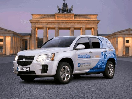 2008 General Motors Hydrogen4 concept 1