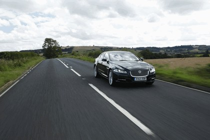 2012 Jaguar XJ - UK version 25