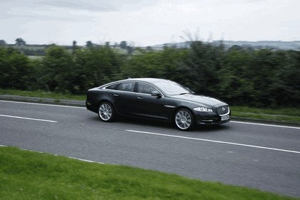 2012 Jaguar XJ - UK version 39