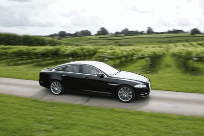 2012 Jaguar XJ - UK version 59