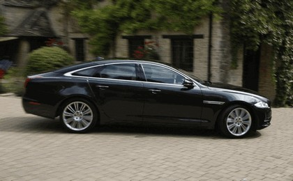 2012 Jaguar XJ - UK version 91