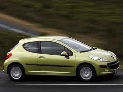 2006 Peugeot 207 3-door 6