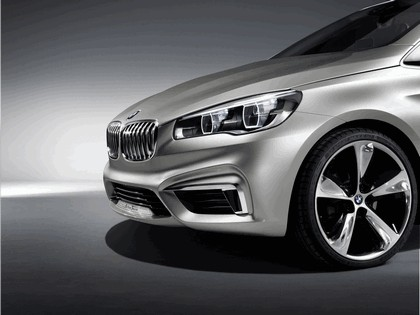 2012 BMW Concept Active Tourer 7