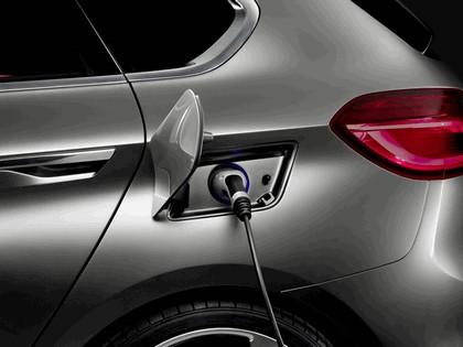 2012 BMW Concept Active Tourer 10