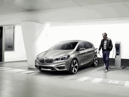 2012 BMW Concept Active Tourer 11