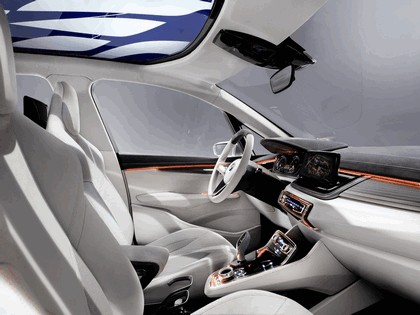 2012 BMW Concept Active Tourer 33