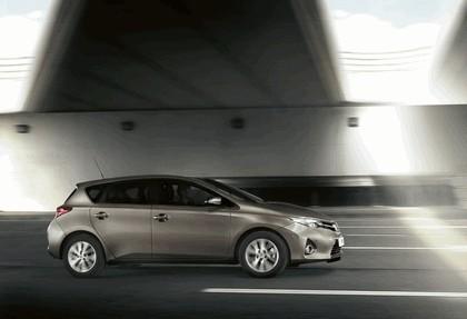 2012 Toyota Auris 11