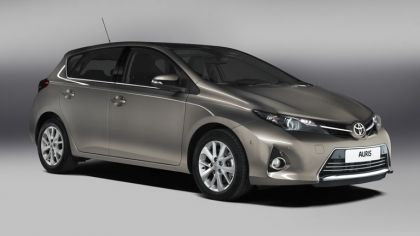 2012 Toyota Auris 4