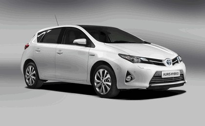 2012 Toyota Auris Hybrid 2
