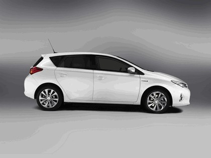 2012 Toyota Auris Hybrid 5