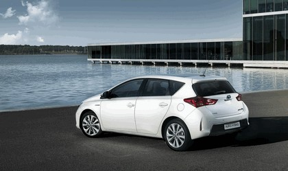 2012 Toyota Auris Hybrid 8
