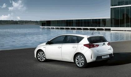 2012 Toyota Auris Hybrid 11