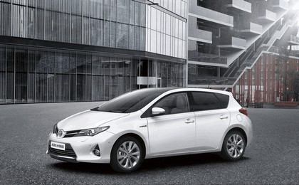 2012 Toyota Auris Hybrid 12