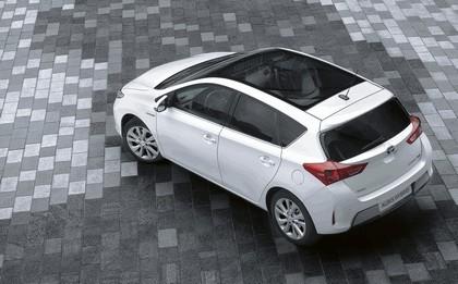2012 Toyota Auris Hybrid 13