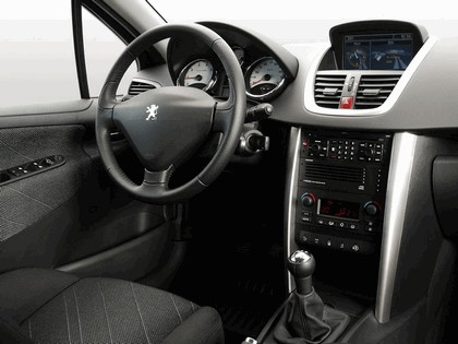 2006 Peugeot 207 5-door with panoramic sunroof 37