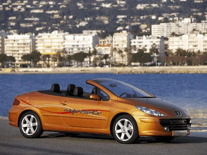 2006 Peugeot 307 CC HybrideHDi concept 3